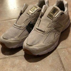 New Balance 990v4 Gold Running Shoes M990AG4
